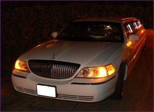 Full Stretch Limos Lincoln Towncar